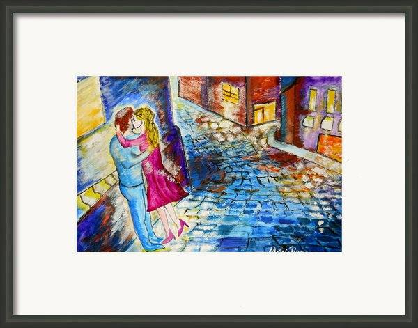 Street Kiss By Night  Framed Print By Ramona Matei