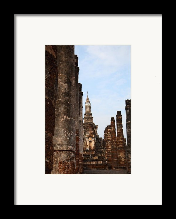 Sukhothai Historical Park - Sukhothai Thailand - 011320 Framed Print By Dc Photographer