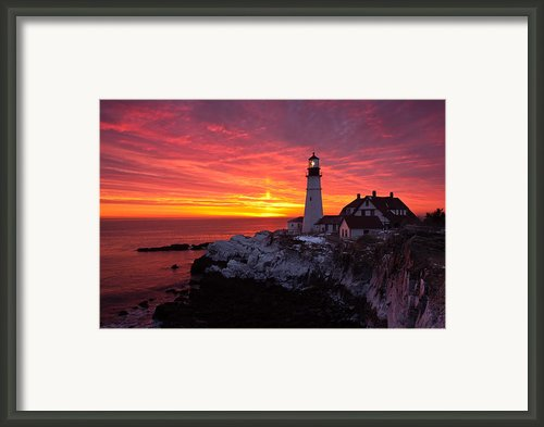 Sunrise At Portland Head Lighthouse Framed Print By Benjamin Williamson