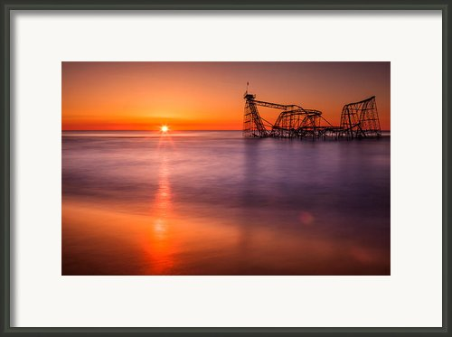 The Jet Star Framed Print By Michael Lawrence