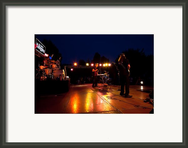 The Kingpins Rock Pullman Framed Print By David Patterson