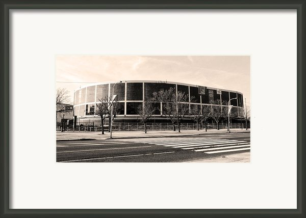 The Spectrum In Philadelphia Framed Print By Bill Cannon