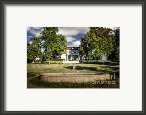 Tulsa Garden Center Framed Print By Tamyra Ayles