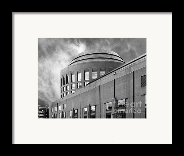 University Of Pennsylvania Wharton School Of Business Framed Print By University Icons