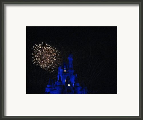 Walt Disney World Resort - Magic Kingdom - 121233 Framed Print By Dc Photographer