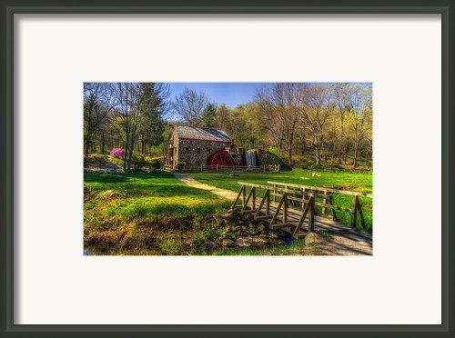 Wayside Inn Grist Mill Framed Print By Mark Papke
