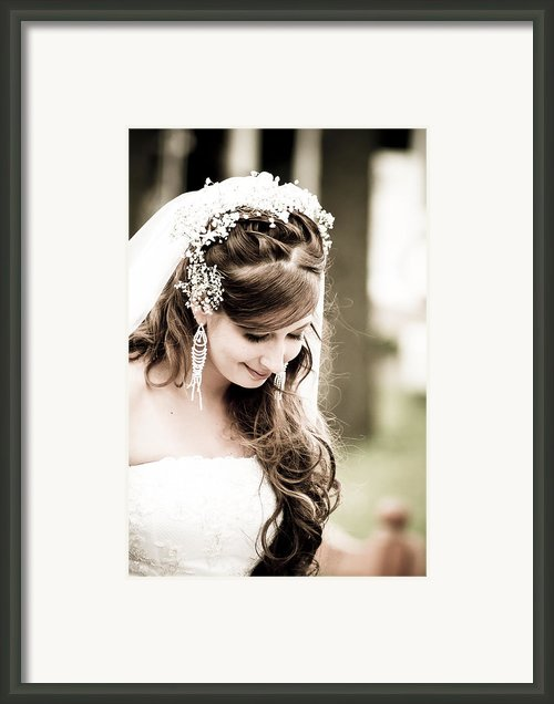 Wedded Love Framed Print By Nelieta Mishchenko