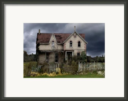 White Picket Fence Framed Print By Tom Straub