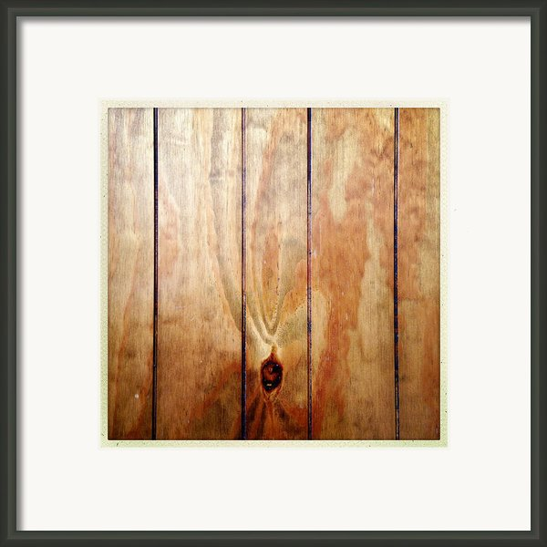 Wooden Panel Framed Print By Les Cunliffe