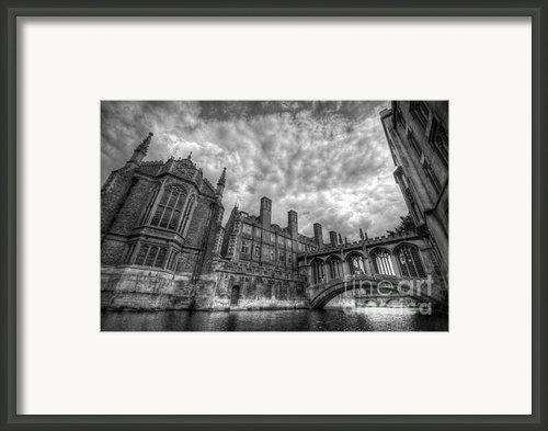 Bridge Of Sighs - Cambridge Framed Print By Yhun Suarez