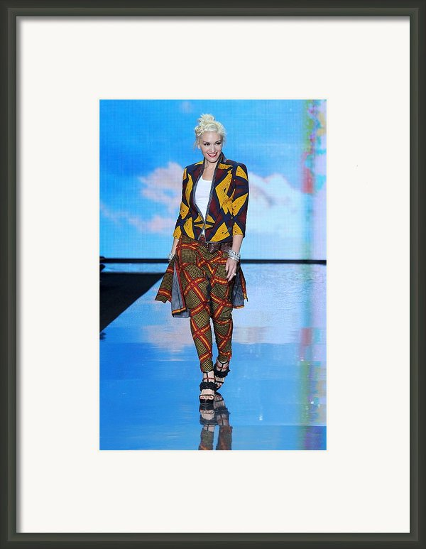 Gwen Stefani On The Runway For L.a.m.b Framed Print By Everett