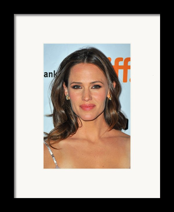 Jennifer Garner At Arrivals For Butter Framed Print By Everett