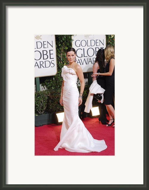 Kate Beckinsale Wearing A J. Mendel Framed Print By Everett