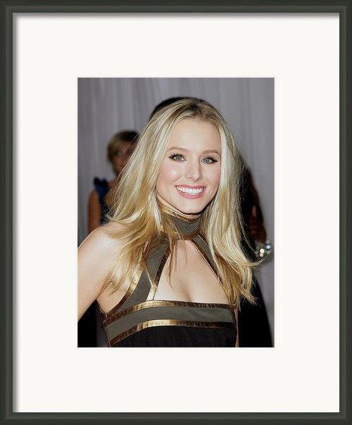Kristen Bell Wearing An Etro Dress Framed Print By Everett