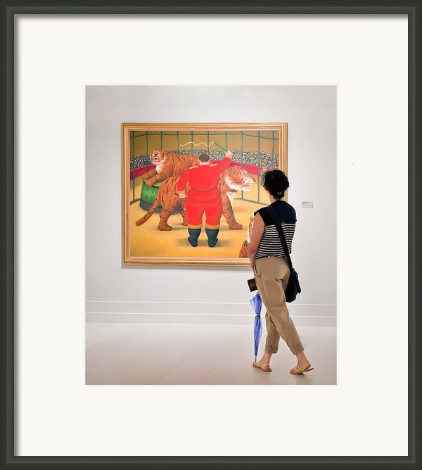 Looking At Art Framed Print By Salvator Barki