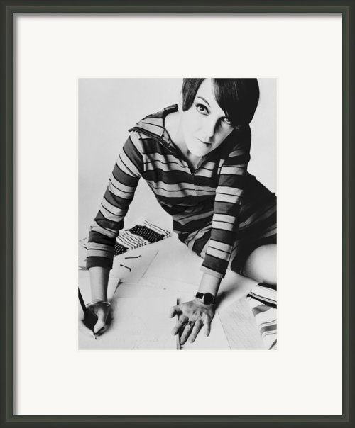 Mary Quant, British Mod Fashion Framed Print By Everett