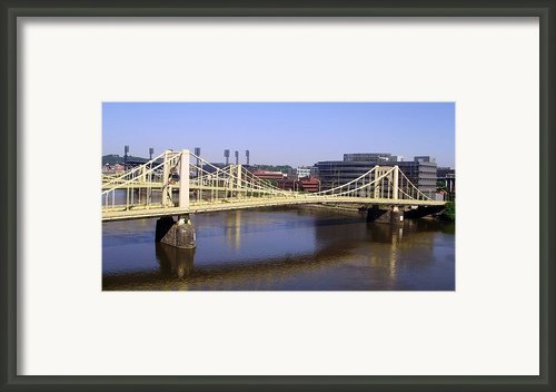 Roberto Clemente Bridge Framed Print By Jesus Rohena