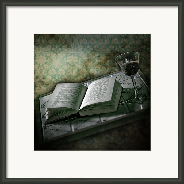 Time To Read Framed Print By Joana Kruse