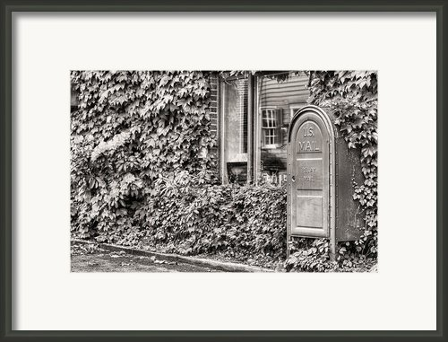 22747 Bw Framed Print By Jc Findley