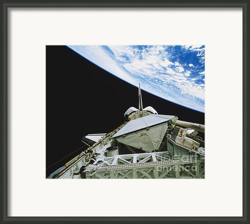 Space Shuttle Endeavour Framed Print By Science Source