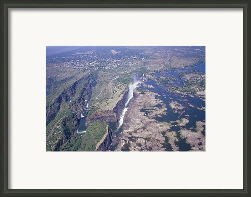 Victoria Falls Framed Print By Carlos Dominguez