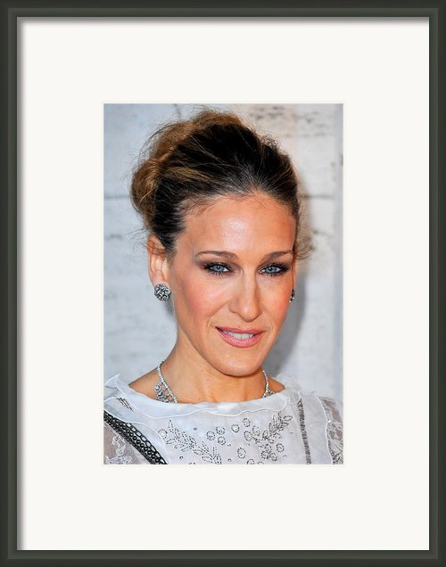 Sarah Jessica Parker At Arrivals Framed Print By Everett