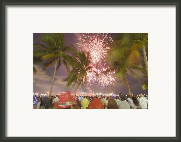 A Crowd Gathered On New Years Eve Framed Print By Mike Theiss