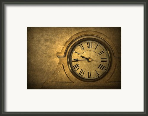 A Moment In Time Framed Print By Evelina Kremsdorf
