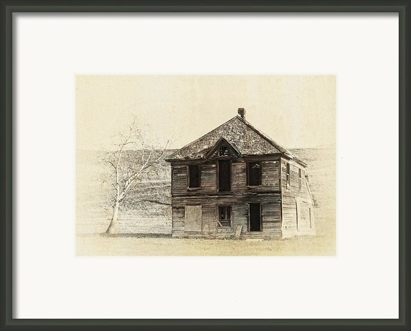 Abandoned Homestead - Okanogan Washington Framed Print By Daniel Hagerman