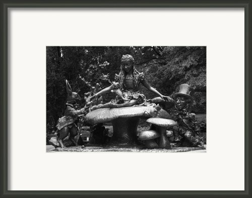 Alice In Wonderland Sculpture Central Park Framed Print By Christopher Kirby