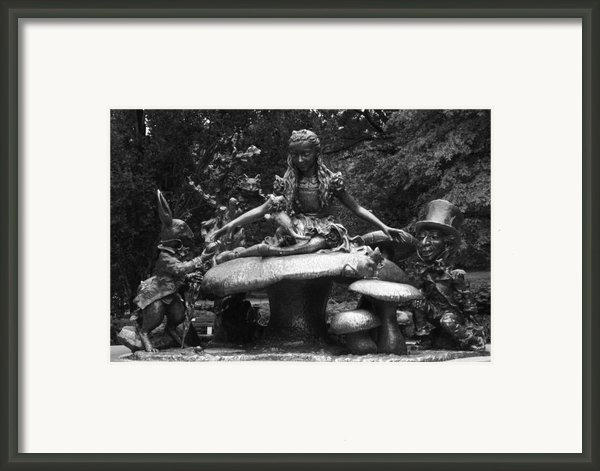 Alice In Wonderland Sculpture Central Park Framed Print By Christopher Kirby