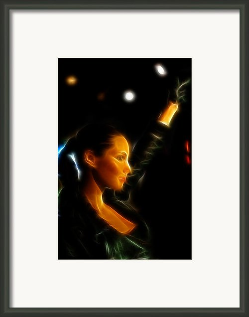 Alicia Keys - Singer Framed Print By Lee Dos Santos