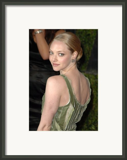 Amanda Seyfried At Arrivals For Vanity Framed Print By Everett