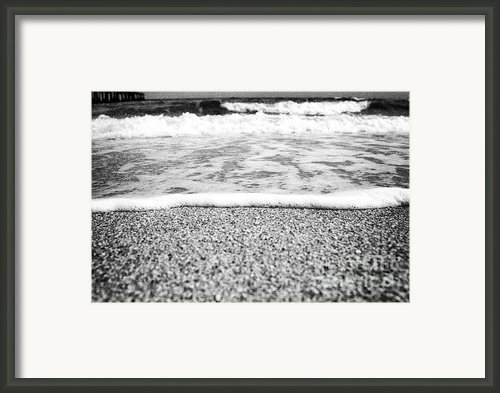 Approaching Wave - Black And White Framed Print By Hideaki Sakurai