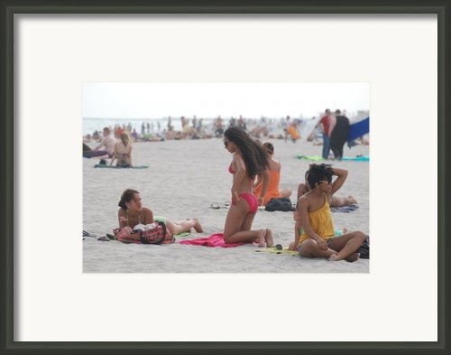 At The Beach Framed Print By Rob Hans