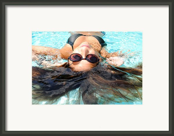 Backstroke Ii  Framed Print By Leah Silberman