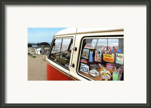 Balboa Bus Framed Print By Ron Regalado