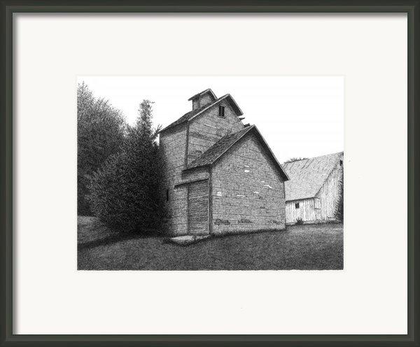 Barn 18 Framed Print By Joel Lueck