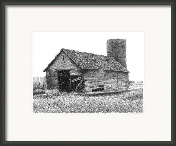 Barn 19 Framed Print By Joel Lueck