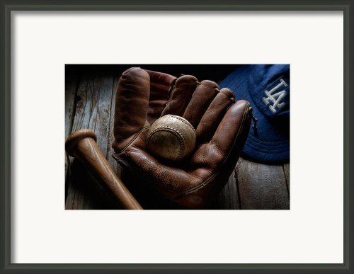 Baseball Glove Framed Print By Bob Nardi