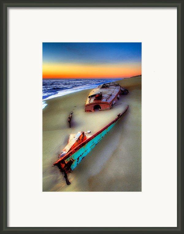 Beached Beauty Framed Print By Dan Carmichael