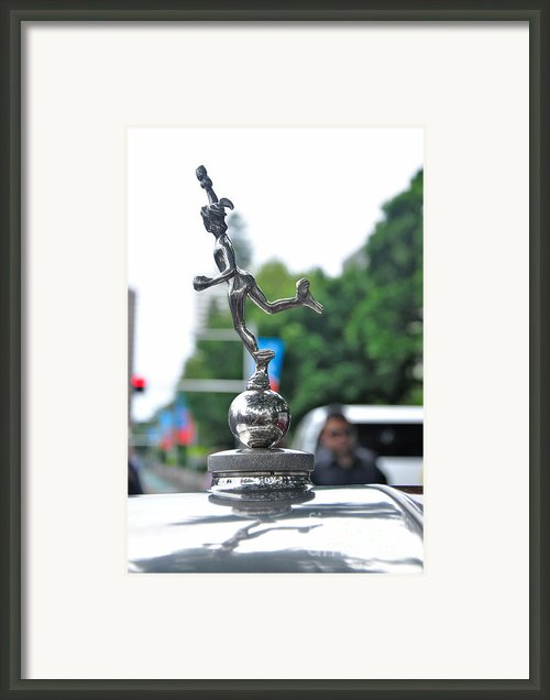 Benz 1916 Ds2 - Hood Ornament Framed Print By Kaye Menner