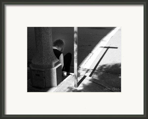 Break Time Framed Print By Sabine Stetson