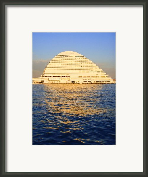 Building At Kobe Harbor Framed Print By Roberto Alamino