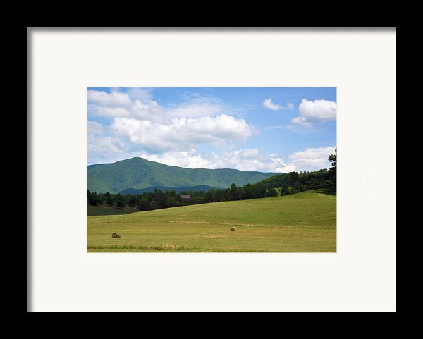 Cabin In The Smokies Framed Print By Jan Amiss Photography