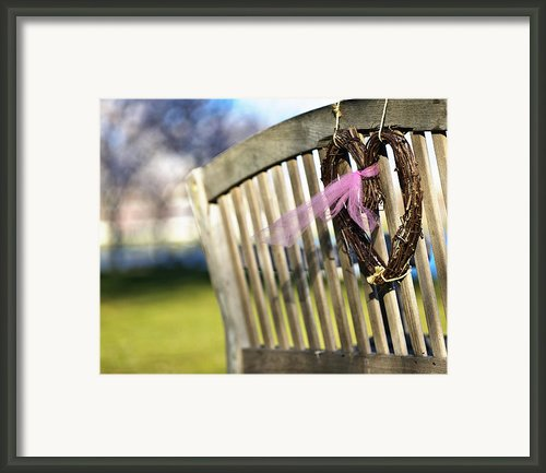 Caitlins Bench Framed Print By Vicki Jauron