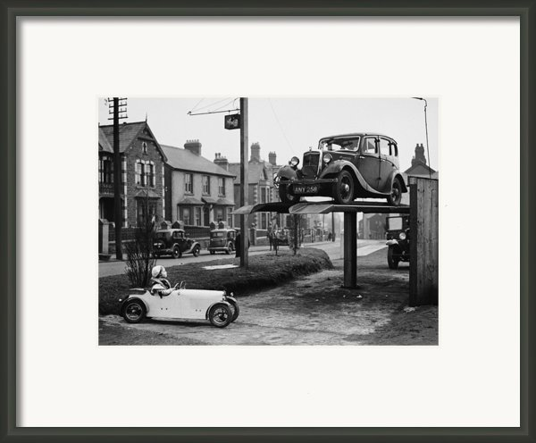 Car Envy Framed Print By Richards