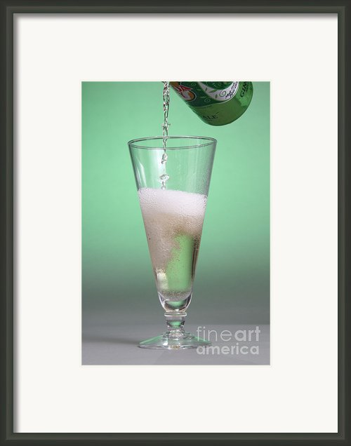 Carbonated Drink Framed Print By Photo Researchers, Inc.