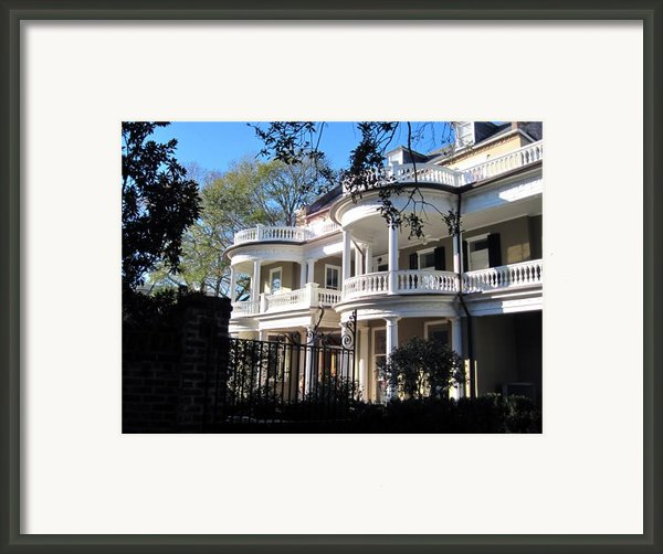 Charlestons Beautiful Architecure Framed Print By Susanne Van Hulst