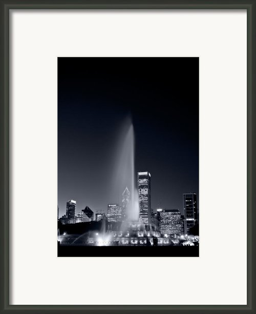 Chicagos Buckingham Fountain Bl And W Portrait Framed Print By Steve Gadomski